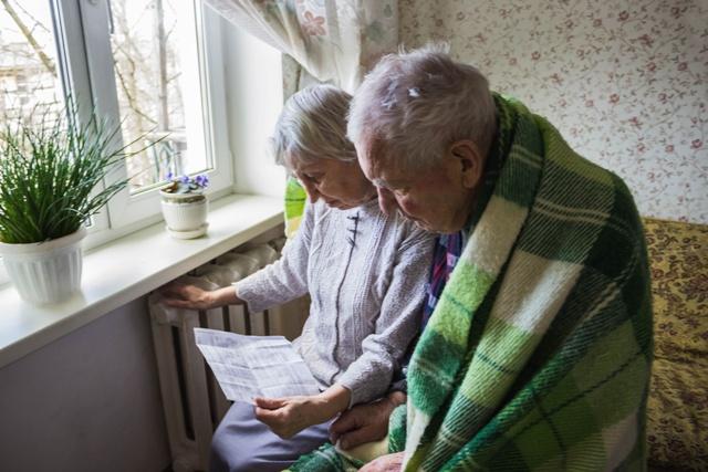 Money saving tips for National Energy Awareness Month – 953mnc.com